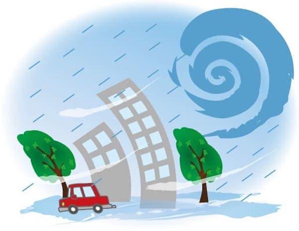 台風に煽られる住宅街